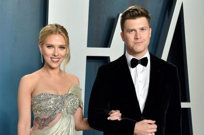Foto de Scarlett Johansson y Colin Jost, quien se casaron