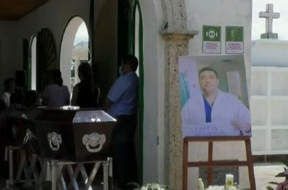 Médico Rodrigo Alberto Hoyos, que murió a causa de una bacteria luego de superar el coronavirus