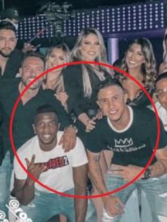 Futbolistas Michael Ortega y Edinson Toloza en fiesta que fue cancelada en Barranquilla