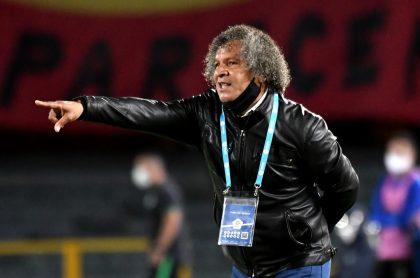 Alberto Gamero dirigiendo a Millonarios, datos que confirman su paternidad sobre Atlético Nacional