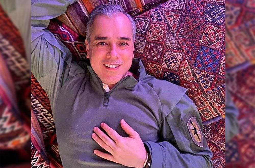 Jorge Enrique Abello se graduó en el 2001 de la carrera de Comunicación Social con Especialización en Producción de Televisión Educativa, en la Universidad Javeriana.