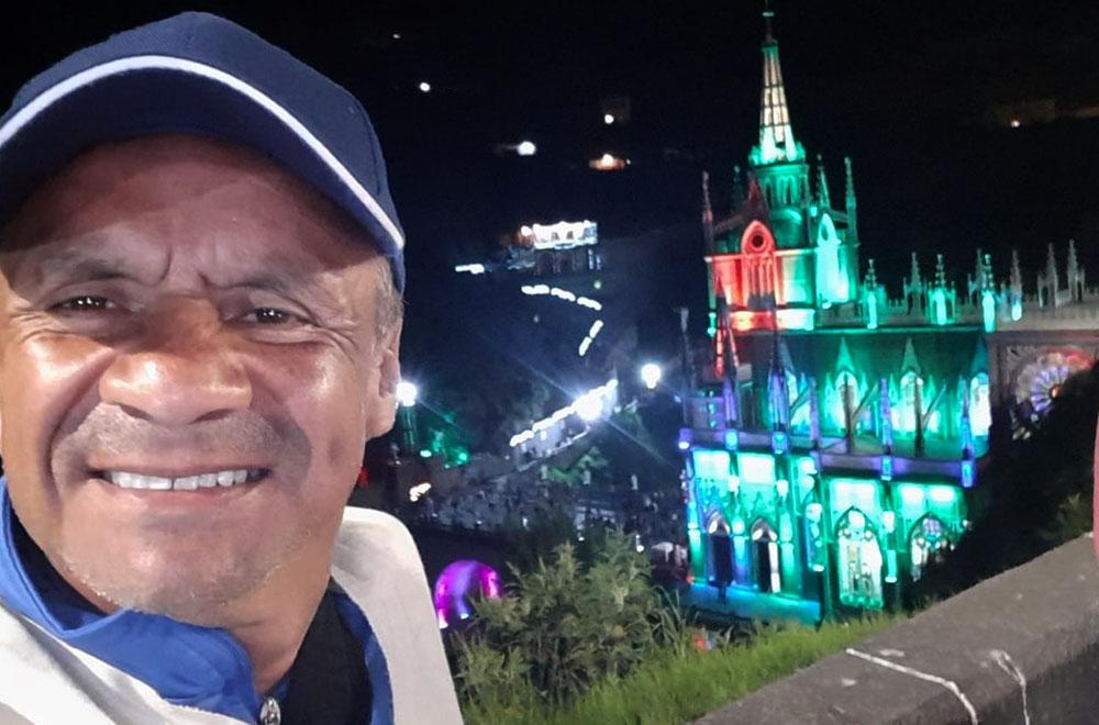 Juan Ricardo Lozano ('Alerta') es abogado de la Universidad Autónoma de Colombia y finalizó estudios de Lingüística y Literatura en la Universidad Distrital de Bogotá.