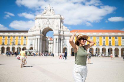 Plaza del Comercio en el centro de Lisboa, Portugal, que nacionaliza colombianos con ascendencia judía