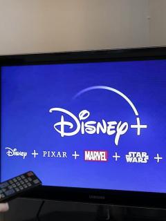 Logotipo de Disney+ para ilustrar nota sobre la preventa de la suscripción anual del servicio en Colombia