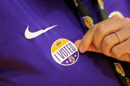 Lakers invitan a votar en elecciones de Estados Unidos