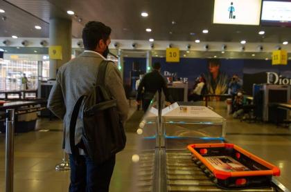 Por recomendación de la OPS, el Gobierno colombiano quitó uno de los requisitos más engorrosos para viajar en avión en Colombia durante la pandemia.