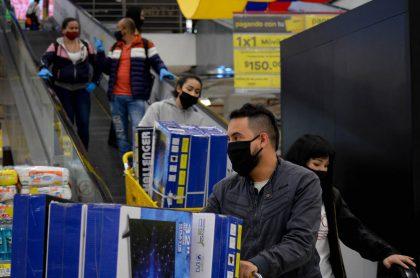 Imagen de primer día sin IVA para ilustrar nota sobre productos, tarifas y condiciones del tercer día sin IVA en Colombia