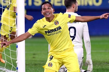 Dos goles y una asistencia de Carlos Bacca con el Villarreal en la Liga de Europa.