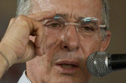 Álvaro Uribe Vélez, a propósito de que un juez revisará el falle que le dio la libertad