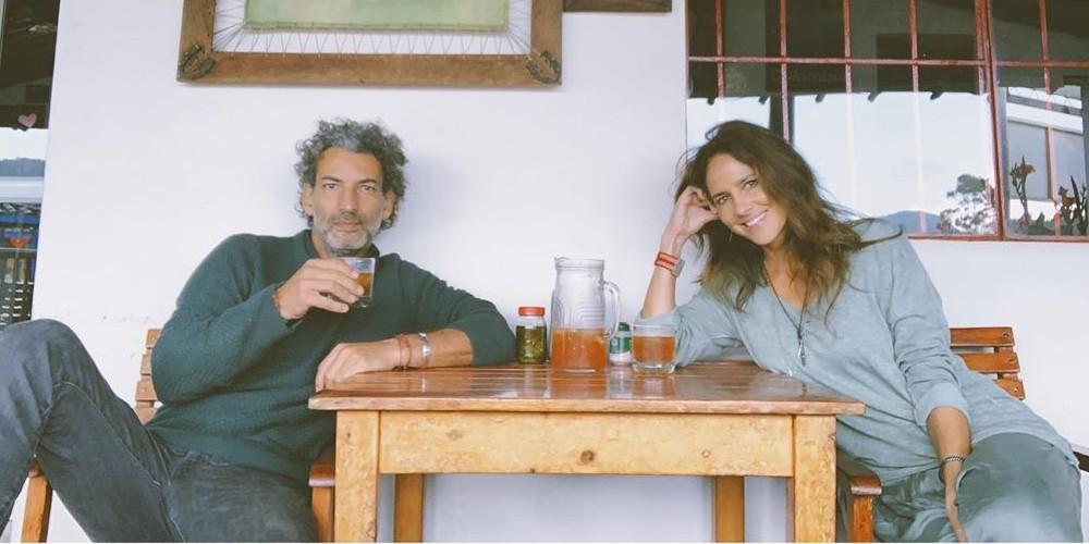 Foto de Paola Turbay y su esposo Alejandro Estrada, que llevan 26 años de matrimonio.