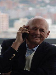 Oswaldo Cisneros, cuya muerte se confirmó este domingo, habría aportado 300.000 dólares a campaña Duque