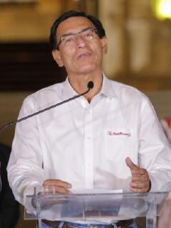 El saliente presidente de Perú, Martín Vizcarra, cesado por el congreso de su país.