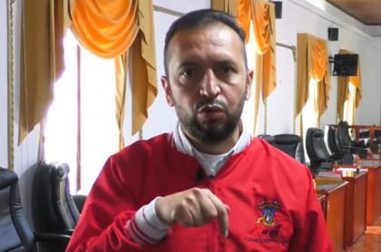 Presidente del Concejo de Soacha, que pidió no entrometerse en asuntos del municipio, luego de denuncia de la muerte de 9 jóvenes por incendio en CAI de la Policía