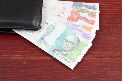 Pesos colombianos para ilustrar nota sobre consejos para aprovechar la prima anticipada
