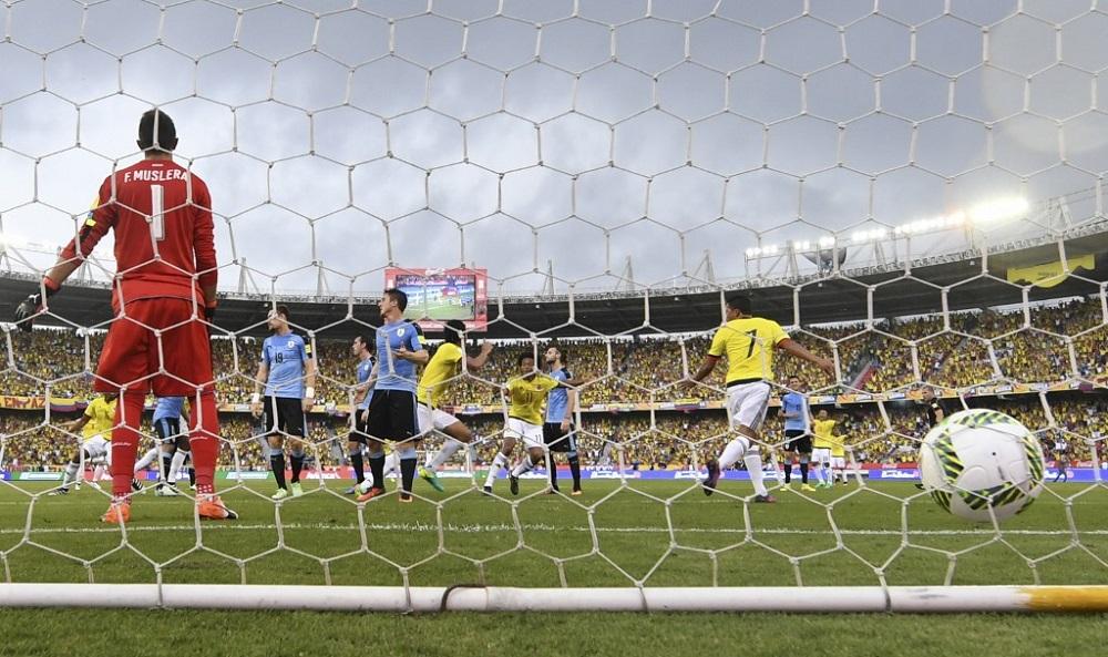 La única vez que Uruguay sacó puntos en Barranquilla, llovió. Para Rusia 2018, el partido quedó 2-2.  Abel Aguilar abrió la cuenta. Empató Rodríguez y Suárez remontó.