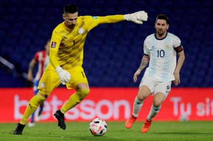 Messi anotó contra Paraguay, pero el VAR lo anuló.