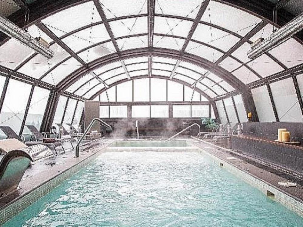 El nuevo hotel de Messi tiene un spa integrado que consta de un circuito de hidroterapia, piscina cubierta y jacuzzi climatizado / Tomada de la cuenta de Instagram hotelmimbaqueira.