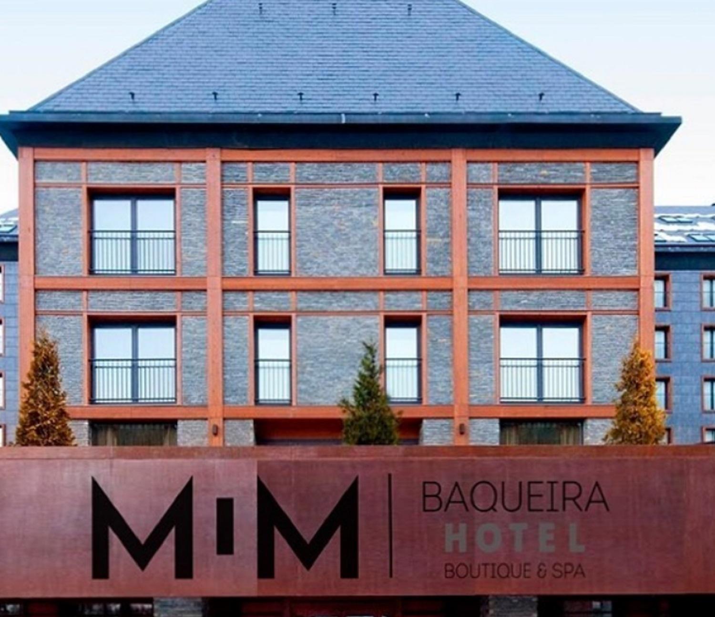 El lugar también tiene salones para eventos, gimnasio, estacionamiento, guías de montaña y alquiler de elementos para esquiar / Tomada de la cuenta de Instagram hotelmimbaqueira.