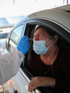 Prueba del coronavirus en Estados Unidos, que registró este viernes 187.095 nuevos casos.