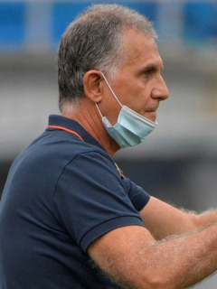 Carlos Queiroz y Óscar Washington Tabárez, técnico de Uruguay que había advertido que sabía cómo controlar a Colombia