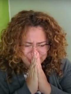 Video: profesora rompe en llanto ante desinterés de estudiantes