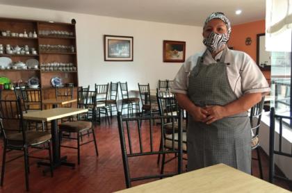Irma Cáceres cumple 8 meses de confinamiento, en los que ha podido sostener su restaurante implementando domicilios y recortando gastos.