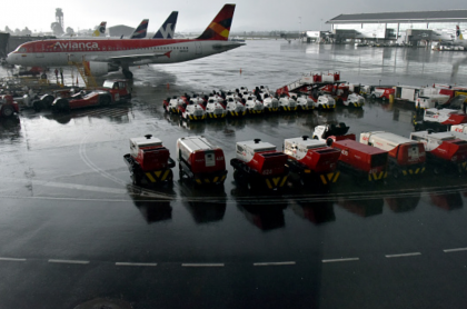 Avión de Avianca, empresa que, junto a Viva Air y Wingo, es objeto de quejas por parte de sus usuarios.