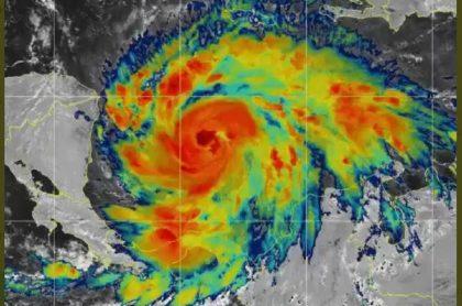 Huracán Iota aumentó de categoría.