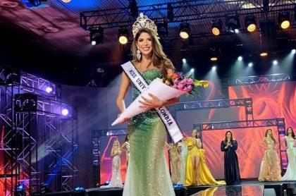 Laura Olascuaga, en su primer desfile como nueva Miss Universe Colombia, lo que la hizo merecedora de varios millonarios premios.