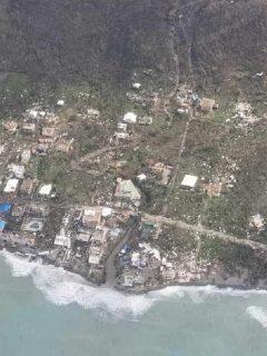 Imagen aérea de la isla de Providencia después del paso del huracán Iota.