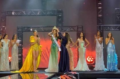 Foto de ceremonia de coronación de Miss Universe Colombia