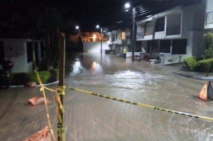 Por las fuertes lluvias en Fusagasugá, Cundinamarca, se desbordó una quebrada