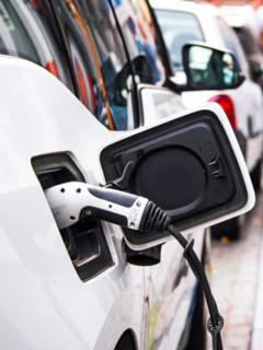 Carro eléctrico, ilustra nota de Reino Unido que prohibirá venta de carros a gasolina en el 2030