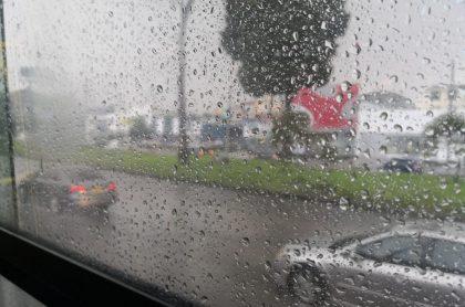 Usuarios de Transmilenio reportaron las lluvias desde los buses. Estas se extendieron hasta la calle 154 / Pulzo.