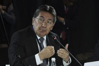 Piden a España rechazar a Néstor Humberto Martínez como embajador
