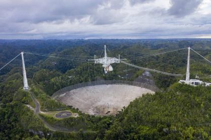 Vista aérea del Observatorio de Arecibo en Arecibo, Puerto Rico, el 19 de noviembre de 2020.