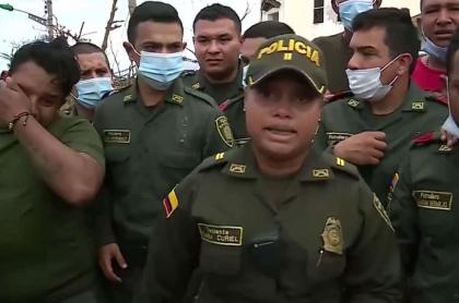 La teniente Tania Curiel tomó la vocería de un grupo de policías para hacerles saber a sus familias que están bien en Providencia.