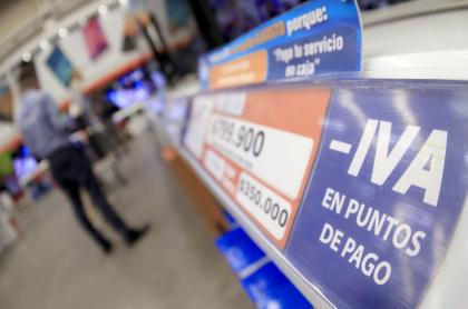 Las páginas de varios supermercados y almacenes de cadena no estuvieron listas a la medianoche del viernes.