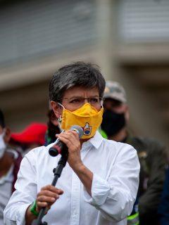 La alcaldesa Claudia López durante las movilizaciones de la minga Indigena en Bogotá.