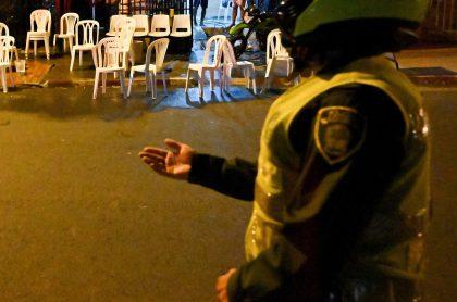 Policía ilustra nota sobre hombre muerto en enfrentamiento con policías