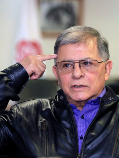 Rodrigo Granda, que asegura que la inseguridad física y la jurídica son los mayores riesgos para acuerdo paz, habla durante una entrevista con AFP en la sede del partido político Farc en Bogotá el 19 de septiembre de 2019.