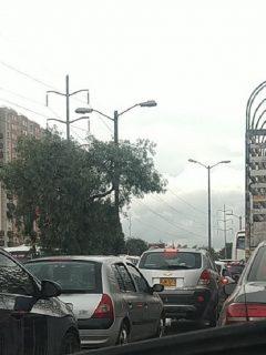 Trancónen entrada aBogotápor la calle 13 lleva toda la mañana