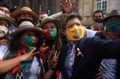 Claudia López, quien fue incluida por la BBC entre las mujeres más influyentes del mundo en 2020, durante las movilizaciones de la minga indigena en Bogotá.