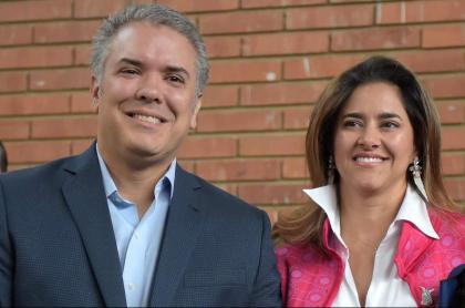 La Primera Dama de Colombia e Iván Duque, quien confirmó que no tiene coronavirus más allá de que su esposa sí