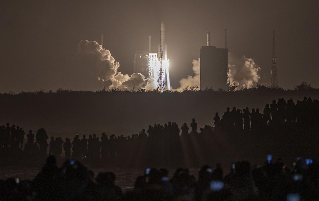 China podrá probar nuevas tecnologías cruciales para enviar, como prevé, astronautas a la Luna en 2030 / AFP.