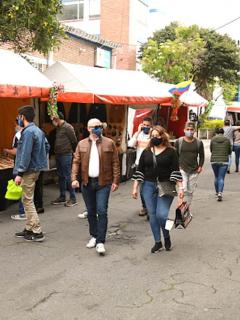Colombianos en las calles.