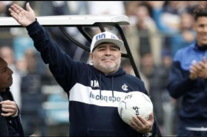 Diego Maradona, técnico de Gimnasia, que falleció este 25 de noviembre por un paro respiratorio