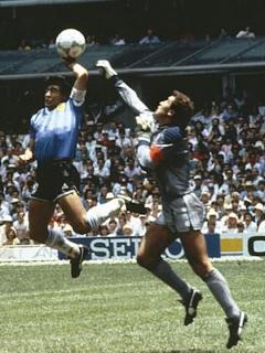Gol con la mano que marcó eliminación de Inglaterra en Mundial 86.