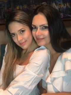 Foto de Marcela Posada y Nataly Arbeláez, quienes subieron foto en bikini