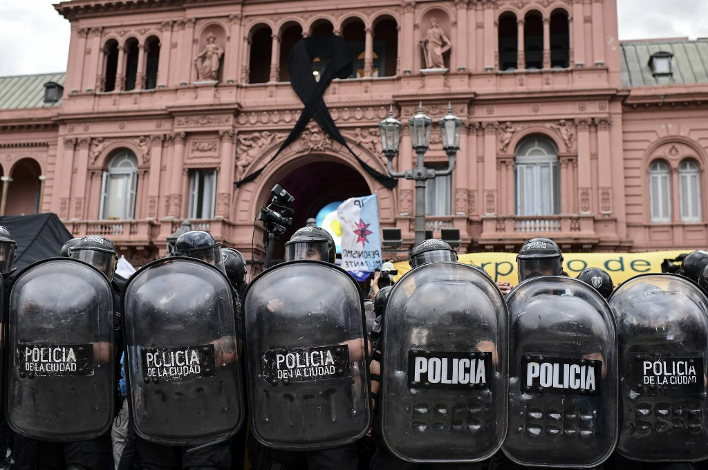 Los disturbios llegaron hasta la avenida 9 de Julio / AFP.